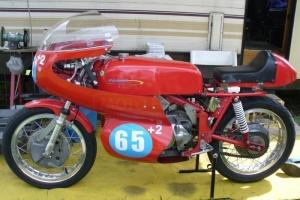 Teile auf Motorrad Aermacchi 250,350,402 59-73, Verkleidung, Plexiglass, Kotflügel, Hocker