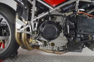 Víko spojky Carbon-Kevlar Ducati  na Ducati 998