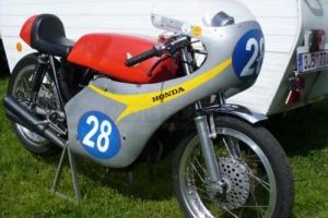 Teile Motoforza auf  Honda CB 350 - Verkleidung, Hocker, Plexiglass