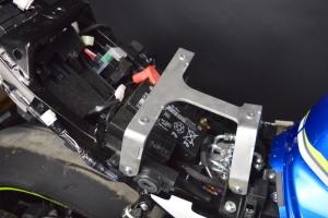 Suzuki GSXR 1000 2017- ukázka instalace sedadla racing vč. výztuhy ALU