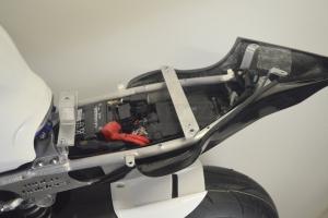 Yamaha YZF R6 2017-  Komplettsatz 6-teilig Racing Version 4 für Original Auspuff-Schwarz Höckerabdeckung - motoholders Heckrahmen