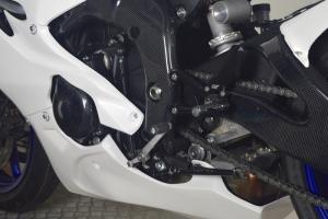 Yamaha YZF R6 2017-  Komplettsatz 6-teilig Racing Version 4 für Original Auspuff-Schwarz Höckerabdeckung